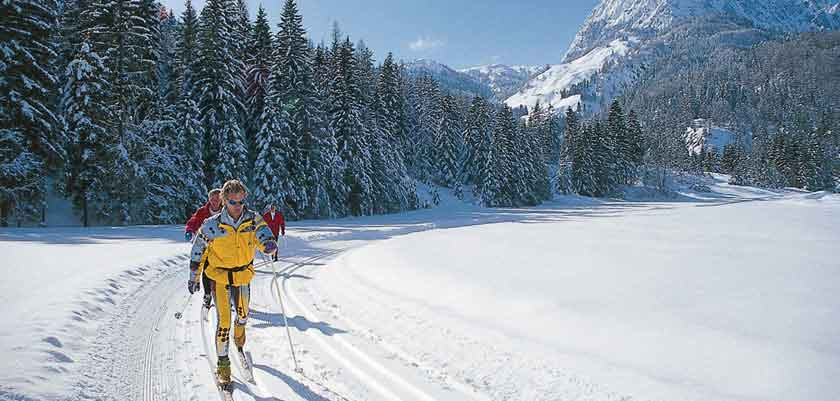 austria_kitzbuhel-alps_st-johann_cross-country-skiing.jpg